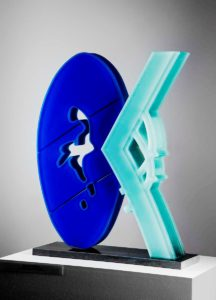 111-v-bezpeci-modre-v-62cm-2014-mal-lep-sklo-blue-safety-painted-and-layered-glass