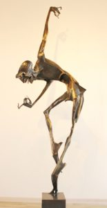 igor-kitzberger-tanecnik-se-sklem-230-cm-bronz