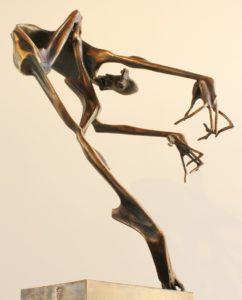 igor-kitzberger-bronzova-plastika-tanec-i-svarovany-bronz-vyska-68-cm-1