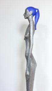 radek-andrle-femme-fatale-plastika-kompozit-kovu-vyska-120-cm-na-prodej-v-prazske-galerii-ceskeho-umeni-blue-hair-3