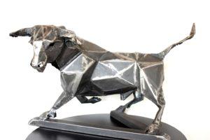 vaclav-rubeska-bull-tepana-zelezna-plastika-43x70x45-cm-ke-koupi-v-prazske-galerii-ceske-soucasne-plastiky-zelezna-plastika-byka
