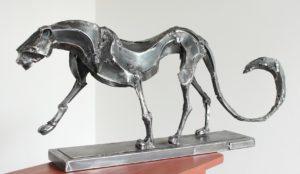 vaclav-rubeska-walking-kovova-tepana-plastika-45x90-cm-knupp-gallery-prague-gallery-of-european-contemporary-fine-arts