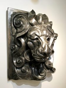 vaclav-rubeska-hlava-lva-tepana-kovova-plastika-cca-90x60-cm-galerie-knupp-gallery-prague