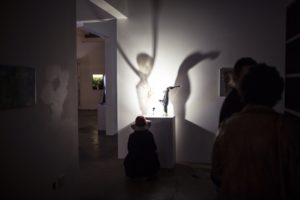wall-shadow-effects-of-blown-figurative-glass-sculptures-by-jiri-suhajek-knupp-gallery-la